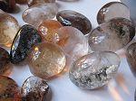 Cristal inclusions dans semi cabochon